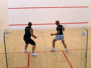 How many points do you need to score in a game of squash ...
